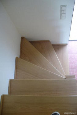 schody128.jpg